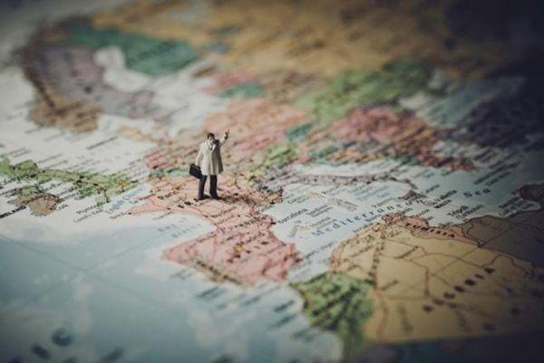 könyvelés Volunteering abroad