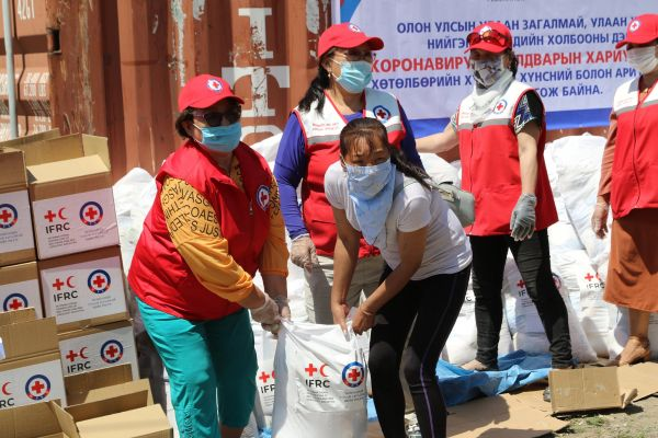 Red Cross and Red Crescent societies report massive surge in volunteer numbers in response to COVID-19