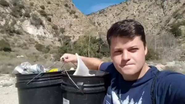 Youth Climate Activist Picks Up Trash on Hiking Trail for 589 Consecutive Days